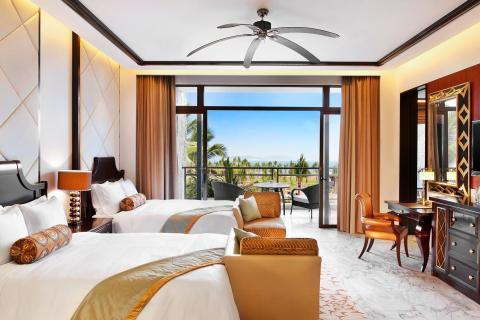 杭州        ★ 三亚亚龙湾瑞吉度假酒店位于中国顶级度假胜地海南岛