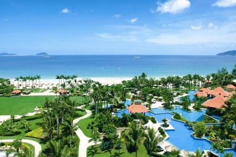 三亚之旅 今天上午推荐您去亚龙湾身后美丽的度假天堂——蜈支洲岛