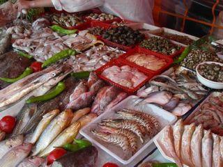 ...海瓜子、鱿鱼、鲳鱼之外,还有很多当地特色海鲜,您可以大快朵...